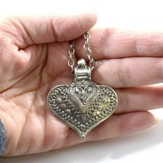 Long Style Silver Heart Necklace, Antique Silver Necklace, Gunmetal Necklace, Chunky Necklace, Long Necklace N005