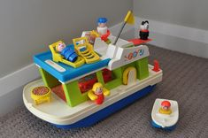 Never knew this existed until I was an adult, but my kids would *love* this. Vintage 1970s Fisher Price.