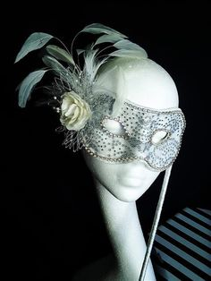 white jeweled masquerade mask...I'm so finding an event to wear this to!