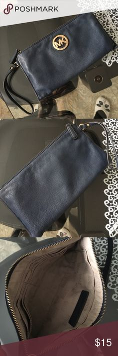 Mk wristlet Used no rips tats stains Michael Kors Bags Clutches & Wristlets