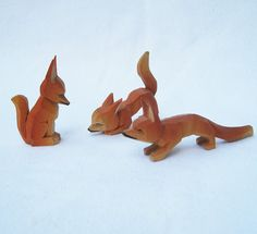 Three Tiny Carved Wood Fox by lunaluma on Etsy, $12.00  possible visual for pattern