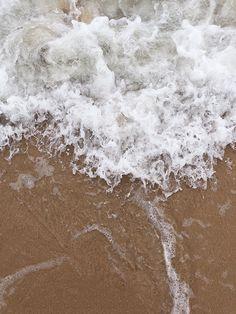 Beach Aesthetic, Summer Aesthetic, Aesthetic Photo, Aesthetic Pictures, Coastal Wallpaper, Beige Wallpaper, Simple Iphone Wallpaper, Wallpaper For Your Phone, Aesthetic Backgrounds