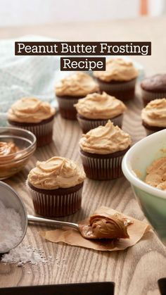 Peanut Butter Buttercream Frosting Recipe, Icing Recipe, Frosting Recipes, Cake Recipes, Icing Frosting, Wilton Cake Decorating, Biscuits, Homemade Peanut Butter, Cake Decorating Techniques