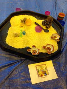 Porridge oats - goldilocks Activities For 2 Year Olds, Rhyming Activities, Infant Activities, Baby Sensory, Sensory Play, My Family Topic, Sand Tray, Tuff Spot, Traditional Tales