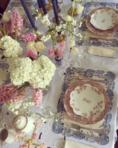 easter-spring-floral-roses-hydrangeas-pink-white-blue-tablescape-table-setting - The Glam Pad