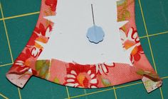 Spun Sugar Quilts: Tutorial English Paper Piecing Applecore shape Part 1 Quilting Templates, Quilting Designs, Quilt Patterns, Sewing Projects, Projects To Try, English Paper Piecing, Quilt Making, Paper Dolls, Quilt Blocks