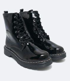 Bota feminina  Material: sintético  Marca: Cravo e Canela      COLEÇÃO VERÃO 2017 Dream Shoes, Crazy Shoes, Me Too Shoes, Kawaii Shoes, Aesthetic Shoes, Hype Shoes, Chunky Boots, Cute Boots, Sock Shoes
