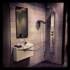 Δημιουργίες των εκθέσεων μας στην Ανθούσα, Πειραιά και Χαϊδάρι Μπάνιο Χαϊδαρίου. Μάθετε περισσότερα στο www.kypriotis.gr - #kypriotis #kipriotis #plakakia #plakidia #anakainisi #athens #ellada #greece #hellas #banio #dapedo Bathroom Lighting, Mirror, Frame, Furniture, Home Decor, Bathroom Light Fittings, Picture Frame, Bathroom Vanity Lighting, Decoration Home