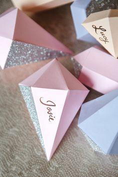 Tarjetas gemas con brillantina - Glitter gem place cards