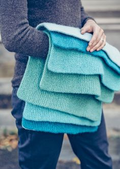 Knitting Projects, Knitting Patterns, Knitting Ideas, Crochet Pattern, Knit Crochet, Ravelry, Drops Design, Knitted Blankets, Stay Warm