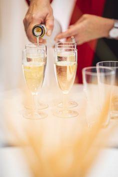 Ein Gläschen darf es auch gern sein! Bei FUSSL HappyDay wird die Auswahl deines Brautkleides zu deinem ganz persönlichen Highlight! Es darf gefeiert werden! 🥂 Tricks, Tableware, Newlyweds, Bridle Dress, Gowns, Dinnerware, Tablewares, Dishes, Place Settings