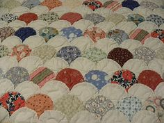 Mawsons Always Moving: Clam Shell Quilt