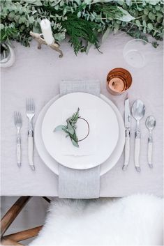 Adorable 50+ Wedding Table Setting Inspiration https://bridalore.com/2017/12/15/50-wedding-table-setting-inspiration/