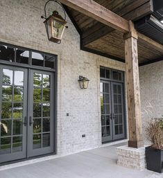 First impressions really count, so when it comes to building a new home, the exterior is of utmost importance. An extraordinary facade creates that wow. Stained Brick Exterior, Stone Exterior Houses, Craftsman Exterior, Modern Farmhouse Exterior, House Paint Exterior, Dream House Exterior, Exterior House Colors, Stone Houses, Exterior Design