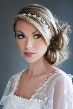 23 Trendy Wedding Hairstyles Updo With Headband Bridal Accessories Prom Hair Updo, Wedding Hairstyles For Long Hair, Wedding Hair And Makeup, Hair Dos, Pretty Hairstyles, Hair Makeup, Hair Wedding, Female Hairstyles, Homecoming Hairstyles