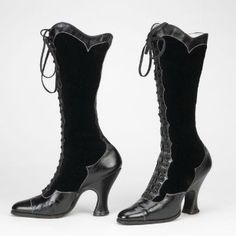 Black patent leather and velvet boots Swedish, - Discover Vintage Clothing & Accessories from Vintage Fashion Specialists Collectif & Be Inspired By All Things Vintage! 1890s Fashion, Edwardian Fashion, Vintage Fashion, Vintage Boots, Vintage Outfits, Vintage Accessories, Fashion Accessories, Viktorianischer Steampunk, Silhouette Mode