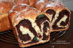 Reteta culinara Desert cozonac din categoria Prajituri. Cum sa faci Desert cozonac Romanian Desserts, Romanian Food, Donuts, Muffins, Bulgarian Recipes, Good Food, Yummy Food, Artisan Food, Pinterest Recipes