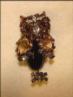 SCHREINER NEW YORK Signed Figural RHINESTONE OWL Vintage Brooch