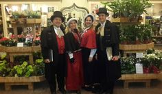 Olde Towne Carolers at Longwood Gardens #OldeTowneCarolers #Carolers #Victorian Carolers