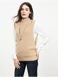 Envelope-Side Sleeveless Pullover