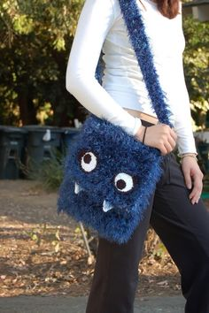 MONSTER PURSE!! AHHHH! (With mini tutorial.) by Lindsey goes to eleven