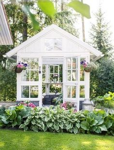 Greenhouse from Old Windows – Beautiful! Simple And Budget-Friendly Plans To Build A Greenhouse 12 # Backyard Greenhouse, Small Greenhouse, Greenhouse Plans, Old Window Greenhouse, Portable Greenhouse, Greenhouse Wedding, Homemade Greenhouse, Greenhouse Supplies, She Sheds
