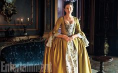 'Outlander' First Look: Claire and Jamie take Paris in season 2 | EW.com