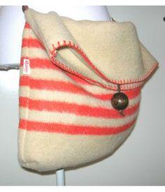Handmade bag of woolen blanket made by #doordoorgemaakt