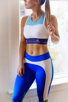 a4a5497c45a04 Sport chic in StellaSport Vancouver Style, Vancouver Travel, Sporty Girls,  Sports Leggings,