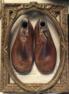 Framed shoe forms