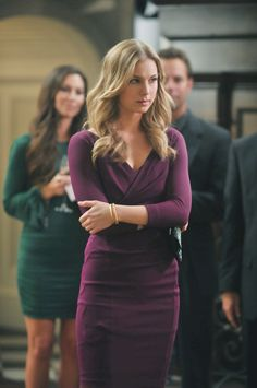 Emily's Best Looks Revenge Season 2 Pictures & Character Photos - ABC.com
