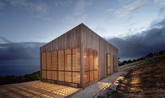 Moonlight Cabin, un refuge minimaliste sur les côtes australiennes - http://www.leshommesmodernes.com/moonlight-cabin/