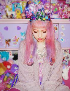 Eva Cheung. http://eva-pinkland.tumblr.com/