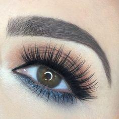 ig: @rebekah_ellie  Soft glam eye makeup. Shadows: Le Metier de Beaute Smoke + Mirrors palette, Liner; Le Metier de Beaute liquid liner pen. Turquoise eyeshadow gold eyeshadow wing liquid liner ardell lashes