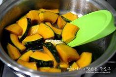 입에 살살 녹는 견과류 단호박조림 : 네이버 블로그 Cantaloupe, Sweet Potato, Mango, Food And Drink, Potatoes, Cooking Recipes, Fruit, Vegetables, Kitchens