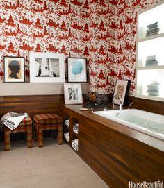 Jardin Chinois wallpaper by Christoper Norman in a New York loft bathroom. Decor, Bathroom Design Decor, Wooden Bathtub, House Beautiful Magazine, Bathroom Red, Best Bathroom Designs, Beautiful Homes, Bathroom Colors, Masculine Bathroom Decor