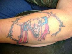 Best Flag Tattoos Design: Tribal Skull And American Flag Tattoo Design For Men On Arm ~ Tattoo Design Inspiration Bull Skull Tattoos, Bull Skulls, Skull Tattoo Design, Feather Tattoos, Flag Tattoos, Skull Design, Animal Tattoos, Girls With Sleeve Tattoos, Arm Tattoos For Guys