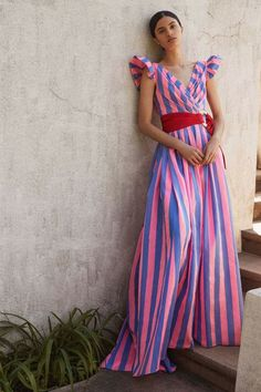 The complete Carolina Herrera Resort 2018 fashion show now on Vogue Runway. Carolina Herrera Zugriff auf die Website für Informationen https://storelatina.com/ #Rings #انگ #Dursasana #订婚戒指