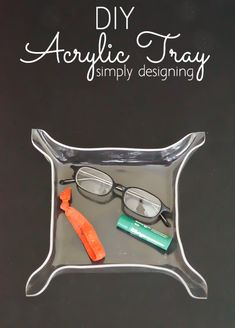 DIY Acrylic Tray Organizer | this is so fun and easy to DIY and it makes a great bedside tray, entryway key drop or catchall | @homerightps
