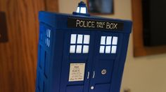 A HD pic of the TARDIS portion of the cake. This was such an awesome cake and worth every penny!