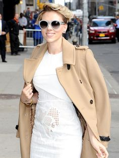 Star Tracks: Tuesday, April 28, 2015 | CITY PRETTY | Hey there, hot mama! Scarlett Johansson dazzles in white as she arrives at the Late Show with David Letterman on Monday in New York.