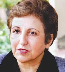 Shirin Ebadi es una abogada iraní que milita por los derechos humanos y la democracia. Fue la primera iraní y la primera mujer musulmana en recibir el Premio Nobel de la Paz en 2003 por su lucha por los derechos de las mujeres y los niños