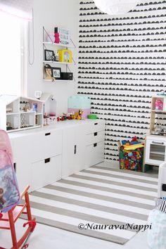 ferm living half moon stuva lastenhuone Ikea Playroom, Playroom Table, Ikea Desk, Playroom Organization, Trofast Ikea, Kallax, Kids Storage, Malm, Kids Corner