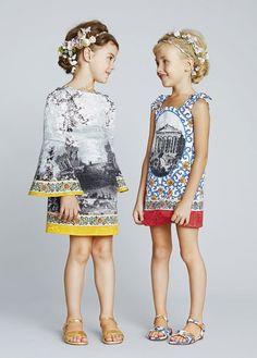 Sommerkleider mit Prints für Mädchen zwischen 4 und 6 Jahren