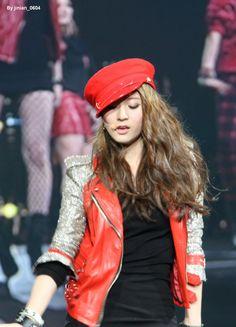 Fx Krystal Krystal Fx, Sulli, Korean Music, Kpop Fashion, Kpop Girls, Stage, Victoria, Leather Jacket, Jackets
