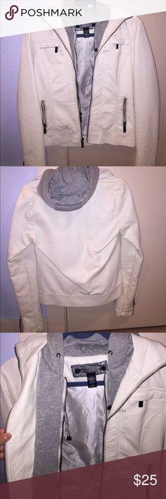 Selling this White leather (not real) jacket on Poshmark! My username is: lkraykray. #shopmycloset #poshmark #fashion #shopping #style #forsale #Daytrip #Jackets & Blazers