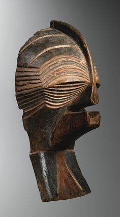 Africa | 'Kifwebe balume' male mask from the Songye people of DR Congo | wood and pigment | Late 19th century