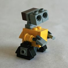 Wall•E Medium Side View by MacLane, via Flickr