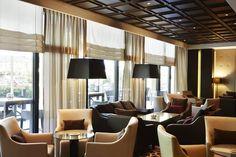 Steigenberger Hotel med sin Piano Lounge - plassert sentralt på Los Angeles platz. Kort vei fra KuDam og en flott plass å strekke på bena etter shopping med en cappuccino og et glass hvitvin!
