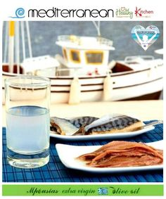 Ouzo is the most characteristic Greek drink-aperitif. Basically it's alcohol, water, aromatic ingredients and of course anise. It's served neat or with water and ice. Greek Recipes, Fish Recipes, Seafood Stock, Eat Greek, Mediterranean Recipes, Greek Islands, Food Photo, Glass Of Milk, Food And Drink